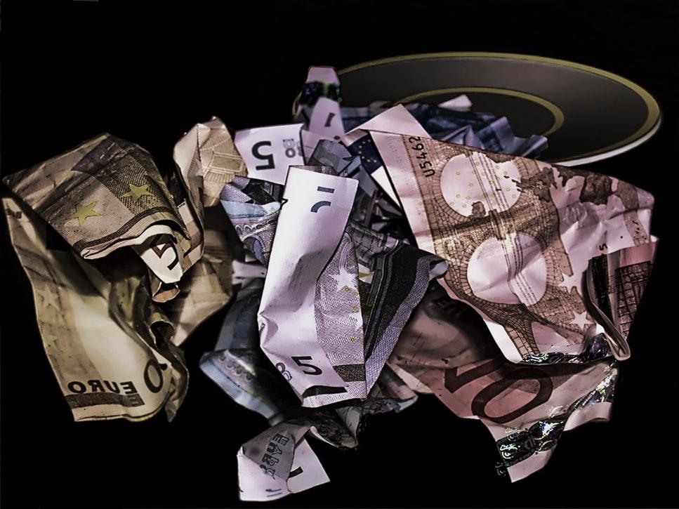 réorganisation d'entreprise coût billets chiffonnés